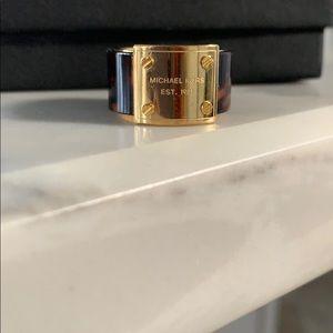 Michael Kors ring size 6